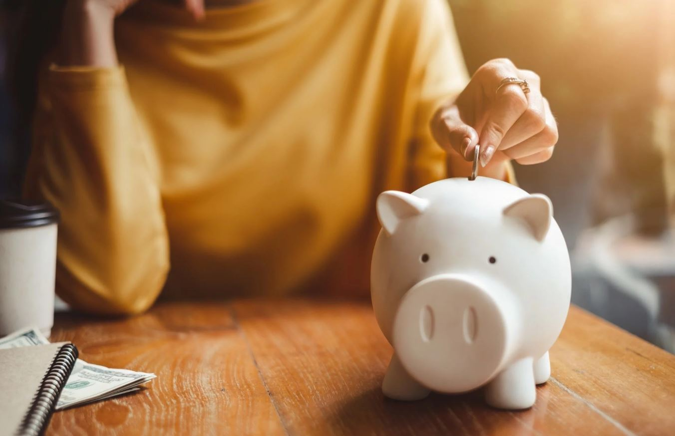 kako ustedjeti novac u kriznim situacijama
